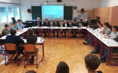 Demokracija v šoli – aktivno državljanstvo med mladimi